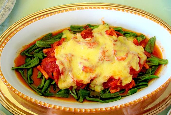ピーマンのトマトチーズ焼き